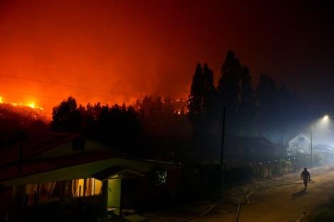 aptopix-chile-wildfires-esteban-felix-ap