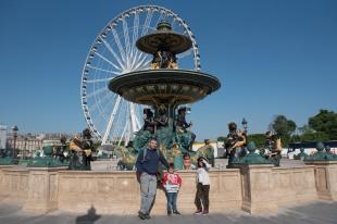 Nós em Paris que agora também tem uma roda gigante