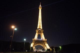 Torre Eifel, linda a noite