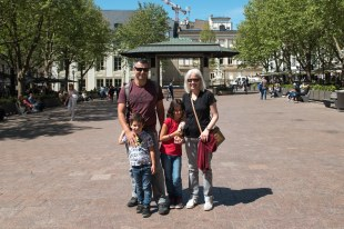 Milton, Caio, Sofia e Bel no centro de Luxemburgo