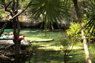 Cenote Azul - Tulum