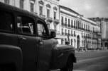 Rua e carro de Havana