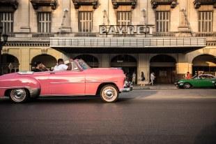 Carros e ruas de Havana