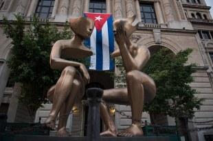 Escultura na praça de Havana Vieja