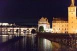 Vista da Ponte Carlos a noite