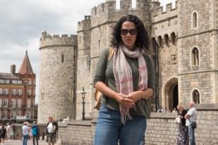Lu em frente ao castelo de Windsor
