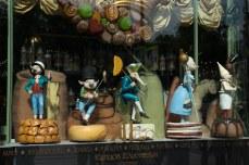 Fachada de uma loja de doces no centro de São Petersburgo