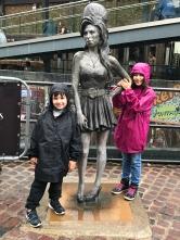 Caio, Amy Winehouse e Sofia em Camden Town