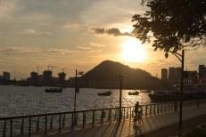 Orla em Shenzhen, perto da casa da chris