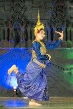 Show folclórico (muito semelhante a Tailândia)