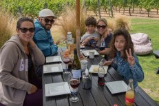 Nós, Murilo e Bruna em Gibbston Wine